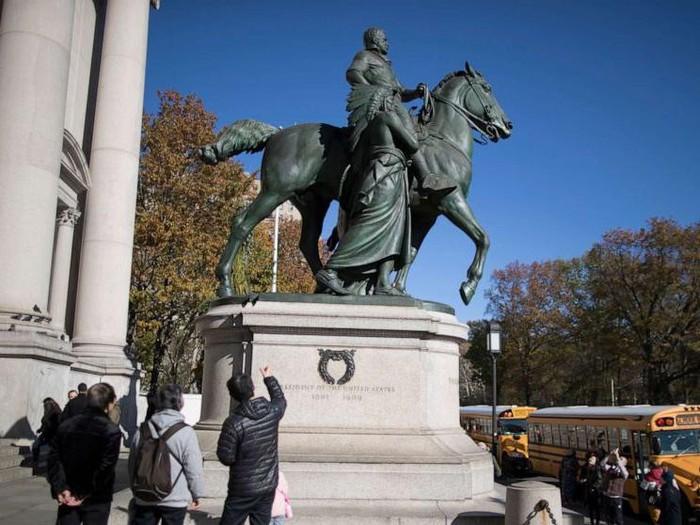 Patung Bersejarah Theodore Roosevelt
