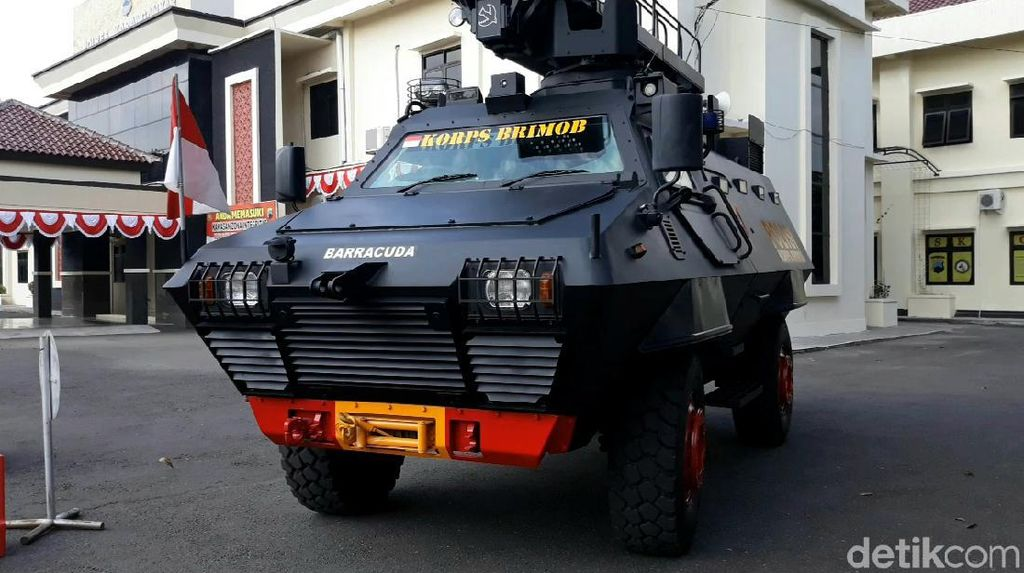 Pengamanan Diperketat! Polres Karanganyar Dijaga Barracuda