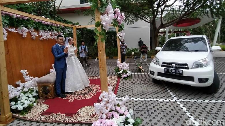 Pernikahan Drive Thru