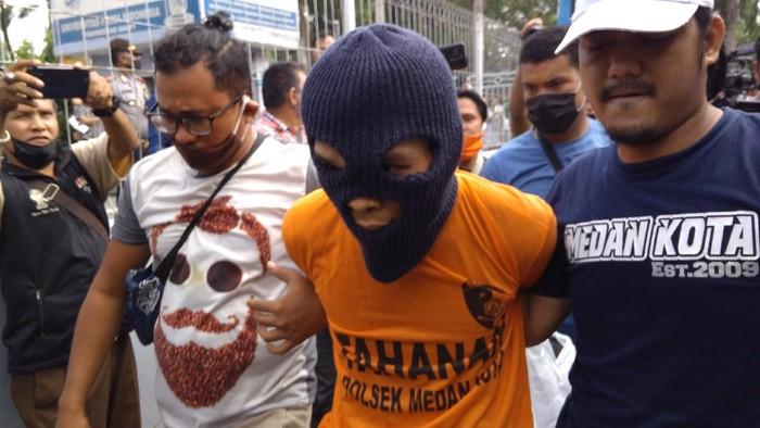 R (30) terduga pelaku pembunuhan 2 anak di Medan (Datuk Haris-detikcom)