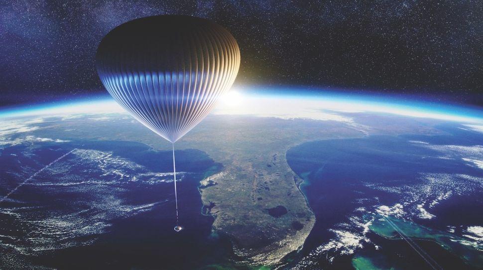 Wisata antariksa memang masih belum terwujud, akan tetapi pilihan alat transportasi menuju ruang hampa kini mulai bertambah dengan kehadiran Spaceship Neptune dari Space Perspective.