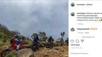 Aksi Doni Tata dan Crosser Cantik Trabas di Gunung Sumbing