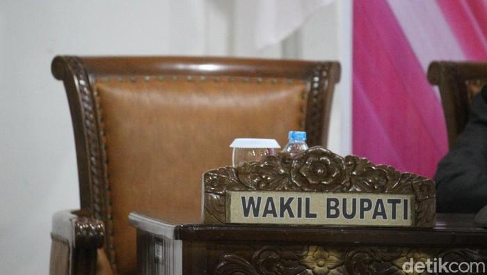 Wakil Bupati Kubu Raya, Sujiwo tidak hadir saat rapat pleno pemekaran lima desa di DPRD Kubu Raya (Adi Saputro/detikcom)