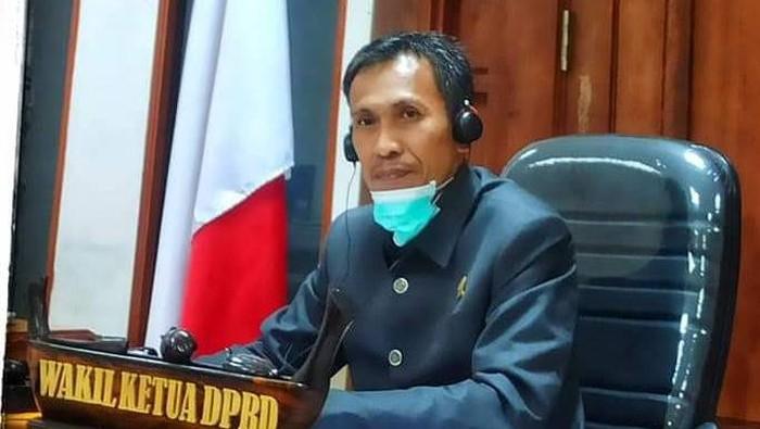 Wakil Ketua DPRD Sulbar, Usman Suhuriah (Dok.Pribadi)