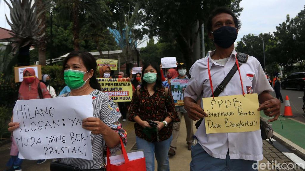 PPDB Jakarta Jalur Zonasi Pakai Syarat Usia, Ada Siswa 20 Tahun Daftar SMA