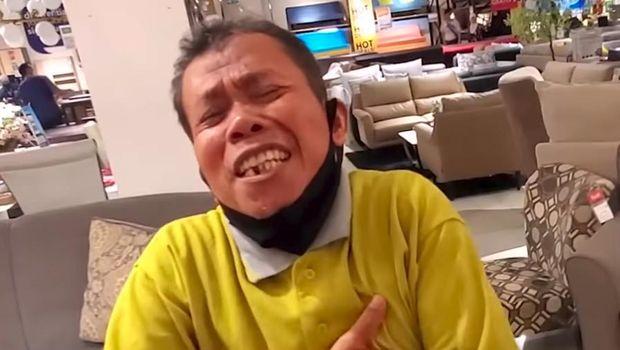 baim wong belikan perabotan rumah tangga untuk sopirnya