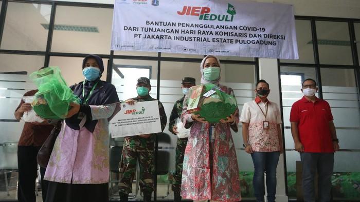 Bantuan untuk penanganan Covid-19 yang terjadi di Indonesia terus mengalir dari berbagai pihak.