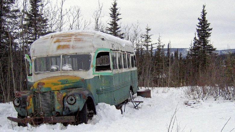 Bus di Film Into The Wild Dipindahkan