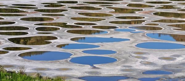 Danau ini berada di Kota Osoyoos, British Colombia, Kanada, hanya berjarak 9 Km dari pusat kota. (iStock)
