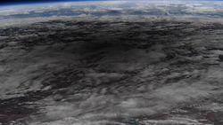 Astronaut NASA Tunjukkan Foto Gerhana Matahari Cincin dari Antariksa