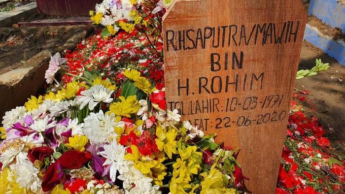 Makam Serda Saputra