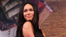 Megan Fox Pegang Gelar Pemilik Kaki Terindah
