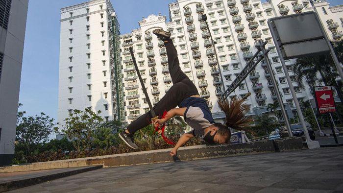 Petembak Vidya Rafika Rahmatan berlatih dalam Pelatnas cabang menembak di Lapangan Tembak Senayan, Jakarta, Jumat (12/6/2020).  *** Local Caption ***