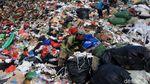 Mereka yang Mengais Rezeki dari Tempat Pembuangan Sampah