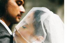 Awas Baper! Romantisnya Tara Basro Rapikan Rambut Daniel Adnan