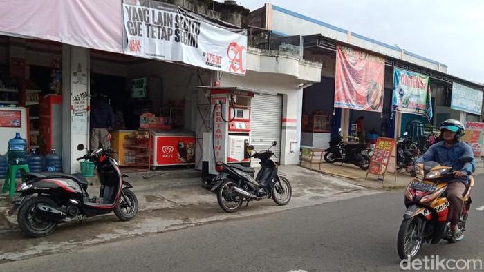 Pom mini tempat beraksi pemotor di Klaten yang viral membeli BBM tanpa membayar, Selasa (23/6/2020).