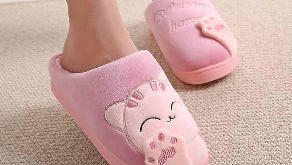 Rekomendasi Sandal Indoor Lucu untuk Dipakai Seharian di Rumah