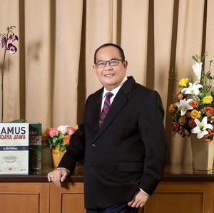 Viral Rektor Idaman Para Mahasiwa, Nonton Drakor Hingga Suka Posting Guyonan