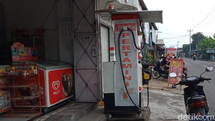 Toko dan pom mini tempat beraksinya pemotor di Klaten yang viral membeli BBM lalu kabur tanpa bayar, Selasa (23/6/2020).