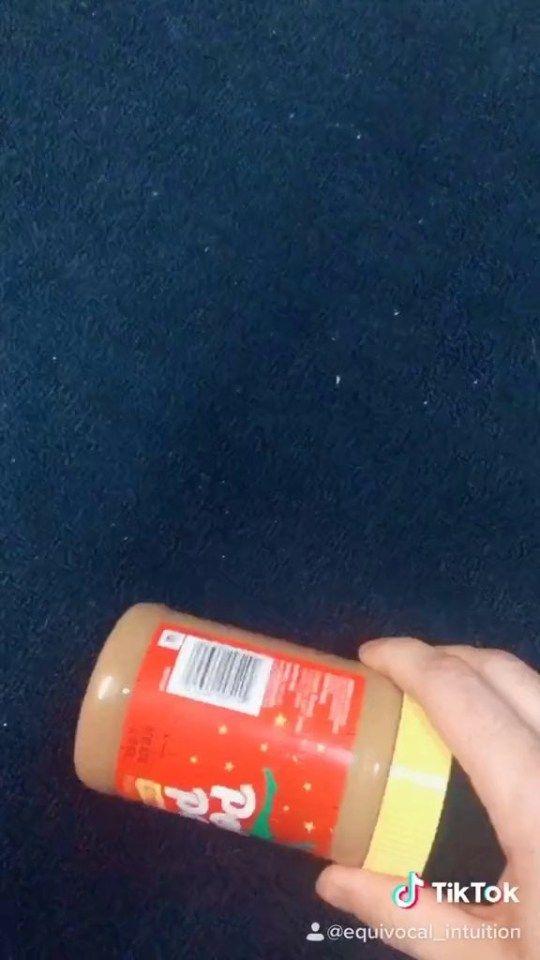 Trik cerdas mengeluarkan sisa selai kacang dari stoples