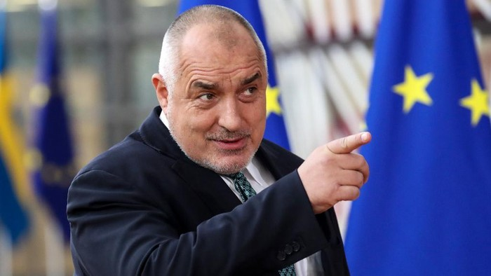 Bulgarias Prime Minister Boyko Borissov gestures as he arrives for the second day of a special European Council summit in Brussels on February 21, 2020, held to discuss the next long-term budget of the European Union (EU). (Photo by Aris Oikonomou / AFP)