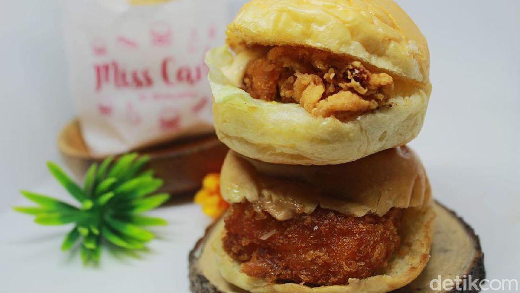 Ms Carbs: Imut Padat! Burger Mini dengan Isian Udang dan Karaage