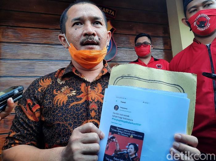 DPC PDIP Kota Yogyakarta melaporkan tujuh akun media sosial ke Polda DIY. Ketujuh akun itu diduga melanggar UU ITE dan menyebarkan ujaran kebencian.