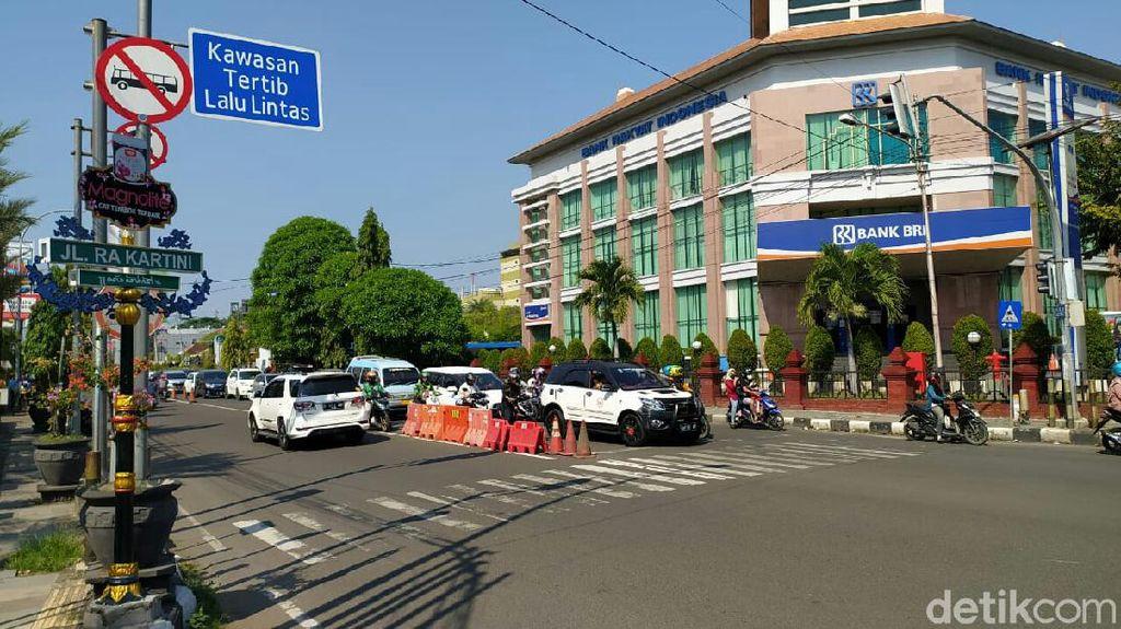 Nyaman dan Ikonik, Pusat Kota Jadi Jalur Favorit Pesepeda di Cirebon
