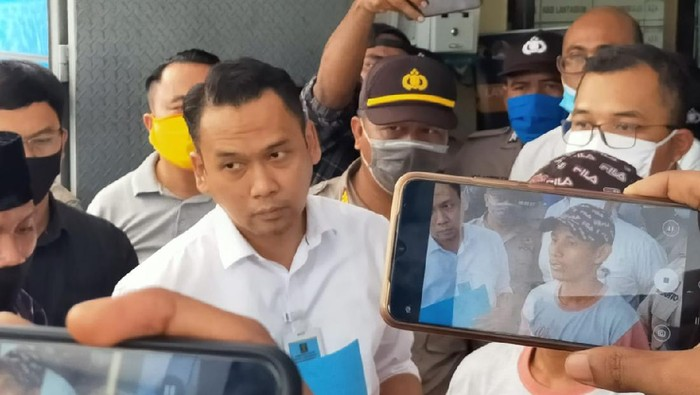Kepala Imigrasi Kendari, Hajar Aswad menyatakan siap mundur jika kedatangan TKA China melanggar aturan, Rabu (24/6/2020).