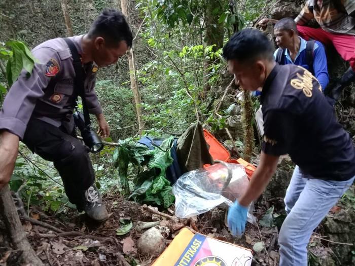 Kerangka manusia ditemukan warga di sekitar Gunung Borong Natua, Taman Nasional Bantimurung, Sulsel (dok. Istimewa).