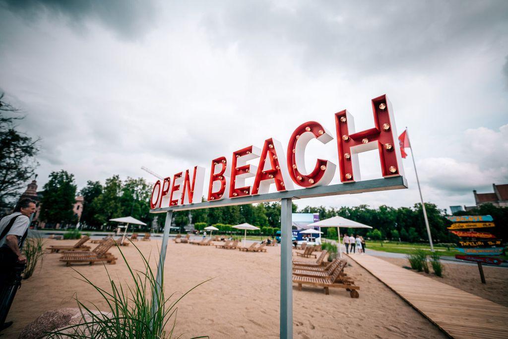 Kota di Eropa Ini Sulap Alun-alun Jadi Pantai