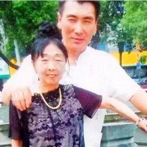 Pria 26 Tahun Ini Menikahi Wanita 59 Tahun, Dulu Panggil Sang Istri Bibi