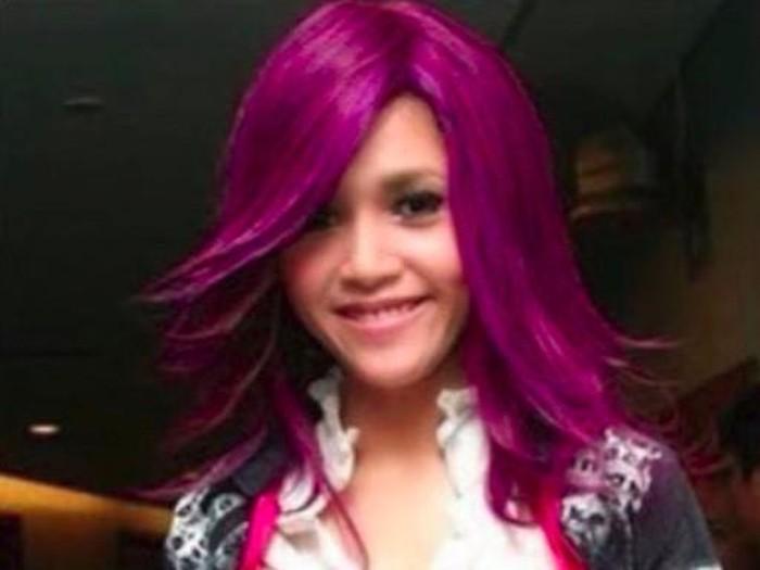 Maia Estianty posting foto dengan warna rambut berbeda