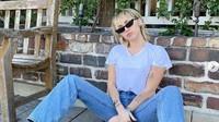 Miley Cyrus Curhat Pengalaman Seksualnya dengan Wanita di Usia 11 Tahun