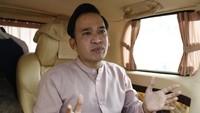 Ruben Onsu Ungkap Kronologi Mobil Sarwendah Keluarkan Asap