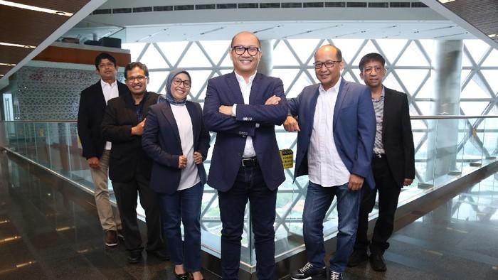 Ini susunan terbaru direksi Telkomsel yang dipimpin oleh Setyanto Hantoro sebagai Direktur Utama.