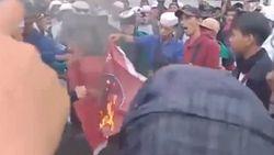 Klaim Tak Tahu, Ini Penjelasan Korlap Aksi soal Pembakaran Bendera PDIP