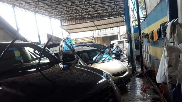 Manisnya Usaha Cuci Motor-Mobil Omzet Sehari Bisa Rp 1,5 Juta