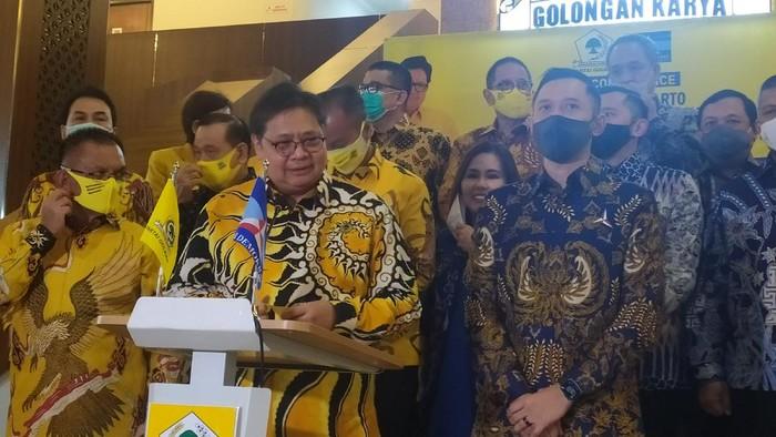 Ketum Golkar Airlangga bertemu dengan Ketum Demokrat AHY bahas pilkada 2020