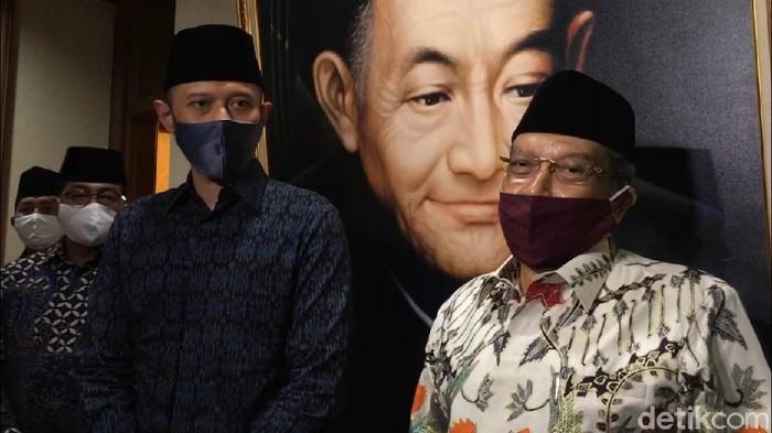 Ketum Partai Demokrat Agus Harimurti Yudhoyono bersilaturahmi dan diterima Ketum PBNU KH Said Aqil Siroj (M Ilman Nafian/detikcom)