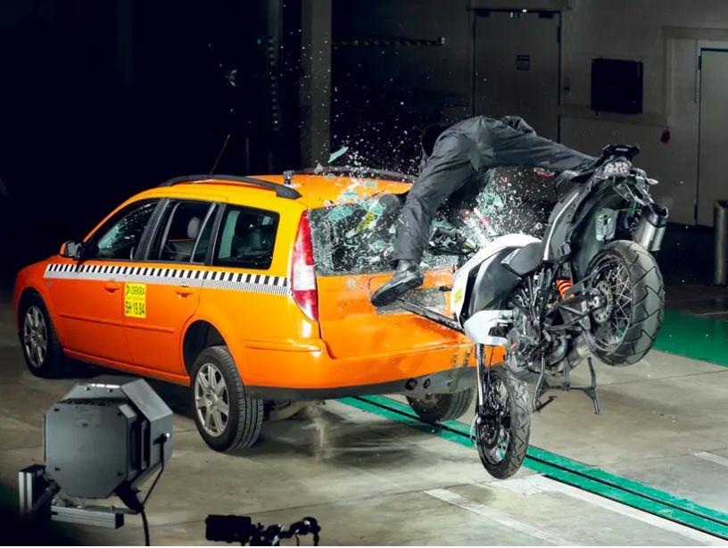 Motor bisa panggil Ambulance