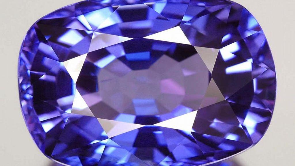 10 Fakta Ilmiah Tanzanite, Batu Permata Super Langka