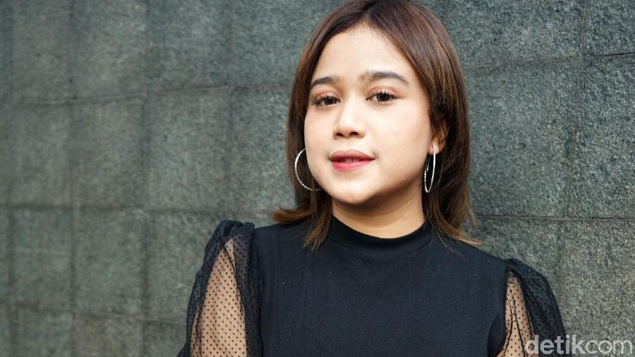 Brisia Jodie saat ditemui di kawasan Trans TV.