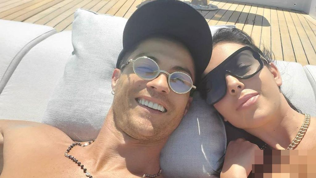 Cristiano Ronaldo dan Kekasih Sewa Kapal Yacht Rp 3 M