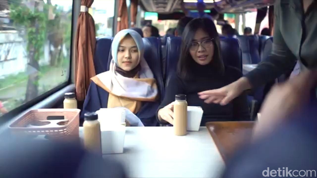 kafe bus di solo