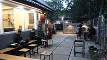 Foto: Dulu Gudang Kosong, Sekarang Kedai Kopi Kekinian