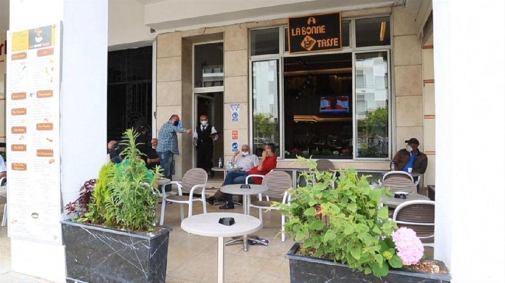 Maroko Longgarkan Lockdown, Restoran hingga Pantai Dibuka