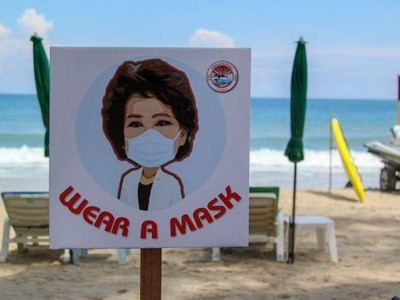 Phuket Wajibkan Wisatawan Pakai Masker ke Pantai