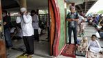 Potret Salat Jumat di Masjid Babah Alun saat New Normal