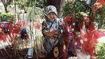 Semangat Nenek 80 Tahun Berjualan Mainan di Klaten